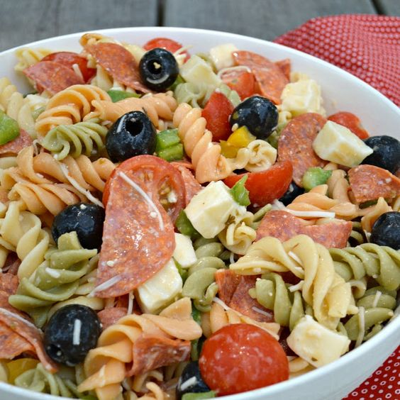 Italian Pasta Salad with Pepperoni and Mozzarella Cheese