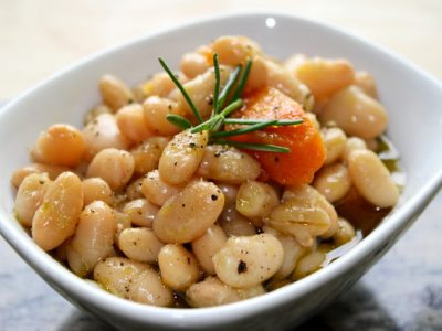 Slow Cooker White Beans With Rosemary